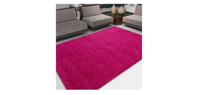 42ff1f1a9cf40 Admirare 4 maneiras criativas de usar o tapete para quarto na decoração  desse ambiente