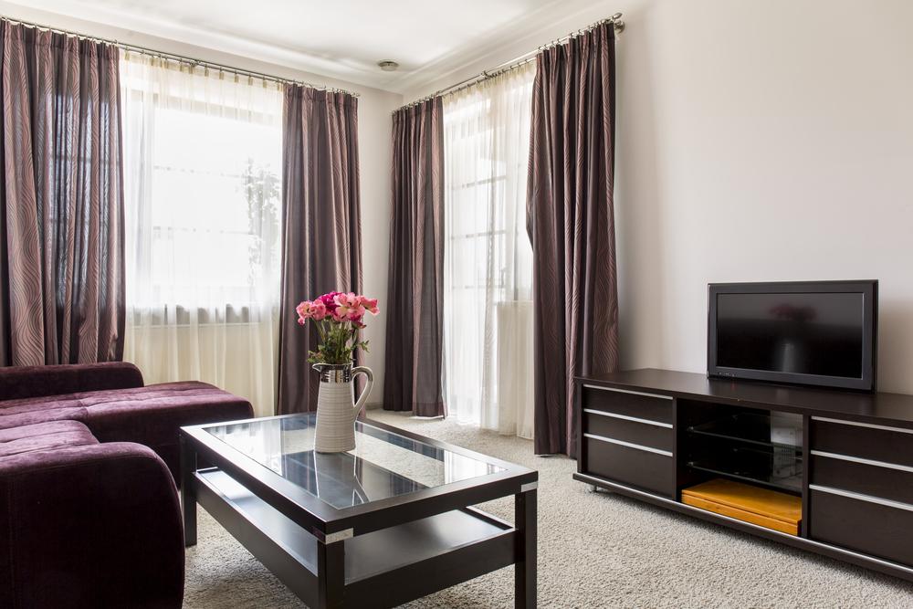 7 modelos de cortina que v o mudar o visual da sua sala - Diferentes modelos de cortinas para sala ...